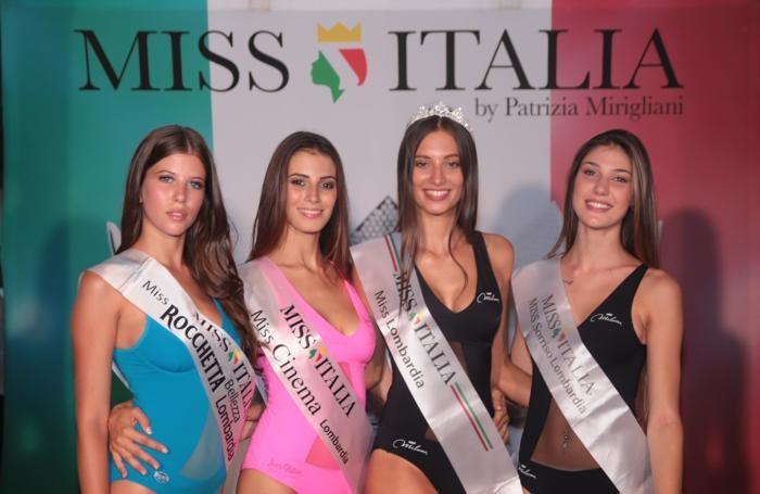 Da sinistra Emma Reina, Silvia Surini, Maddalena Capuzzi, Patrizia Bendotti