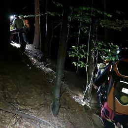 Cercatore di funghi salvato nella notte Era bloccato sul greto del torrente