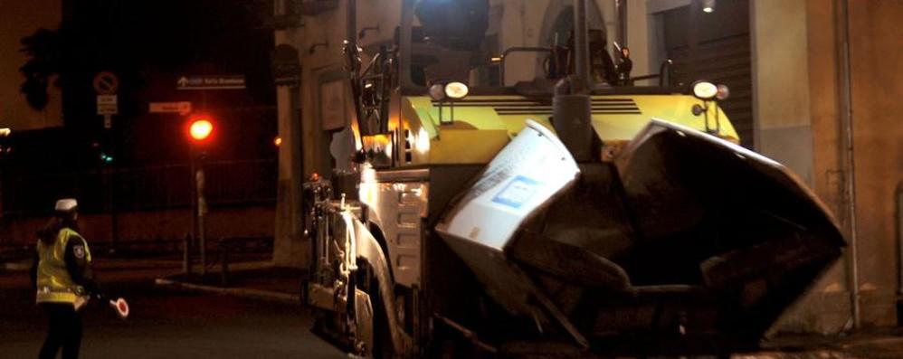 Asfaltature, piano da quasi due milioni Bergamo, 60 strade rimesse a nuovo