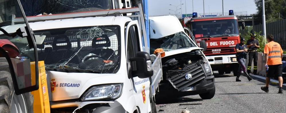 Papà di 30 anni morto nell'incidente Due persone indagate dopo la tragedia