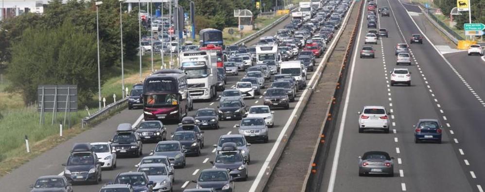 Incidente in A4 a Cavenago Lunghe code in autostrada