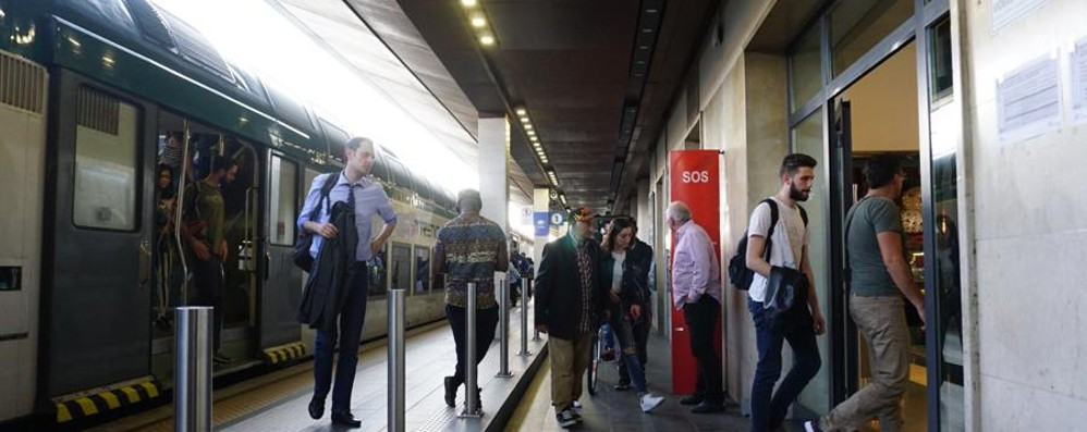 «Trenord sta cambiando binario» Toninelli: situazione indecente, ora fatti