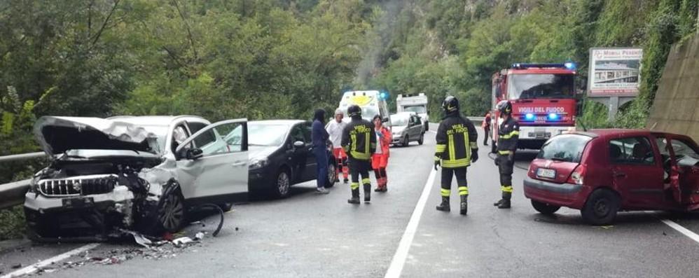 Scontro tra due auto a Sedrina Due persone rimaste ferite