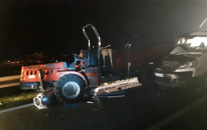 Trattorino tamponato da un furgone Roncola, grave una 19enne