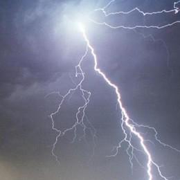 Fulmine sfiora due escursionisti  Ferita 31enne, trasportata in ospedale