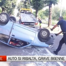 Dalmine, auto si ribalta: grave donna 86enne