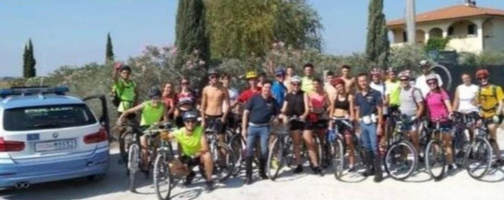 Da Caravaggio in bici verso l'Elba ma imboccano per sbaglio la superstrada