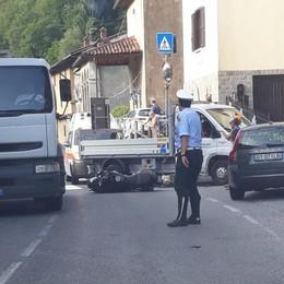 Furgone contro moto, ferito 34enne Lunghe code in Valle Brembana