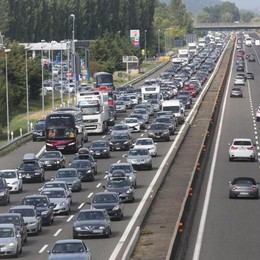 Incidente in A4 a Seriate Lunghe code in autostrada