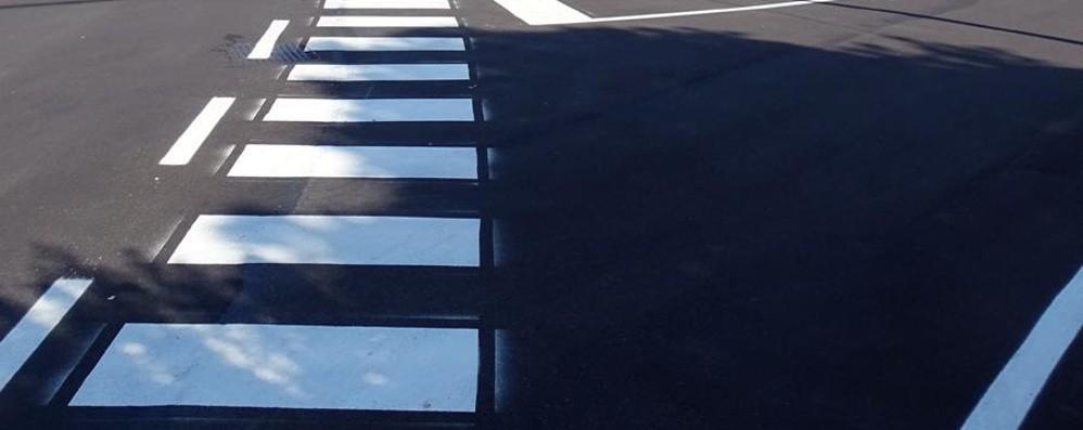 Continuano i lavori di asfaltatura in città Cantieri in via Mai, Pirovano e sulle Mura