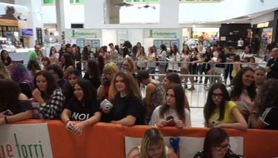 Fans da tutto il Nord per Alessio Bernabei Il video del cantante a Stezzano