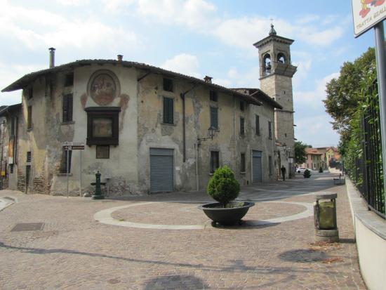 TOUR DI LALLIO