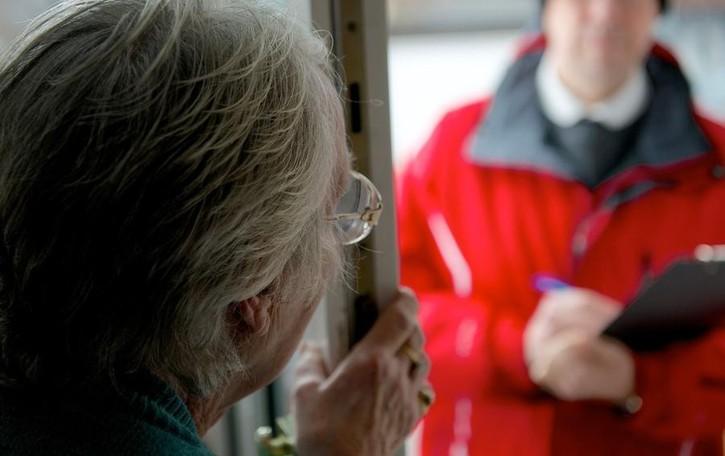 «Banconote rubate, devo controllare» L'anziana 81enne sventa la truffa