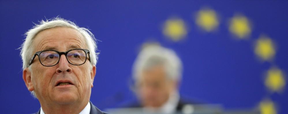 Euro: Juncker vuole rafforzarne ruolo internazionale