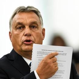 La lezione di Orban al gigante incerto