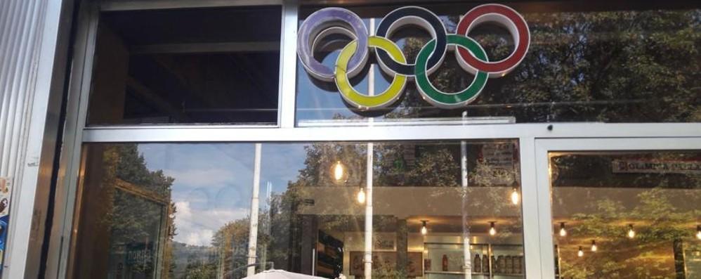 Doppia spaccata nella notte a Bergamo Nel mirino il bar del Palazzetto dello sport