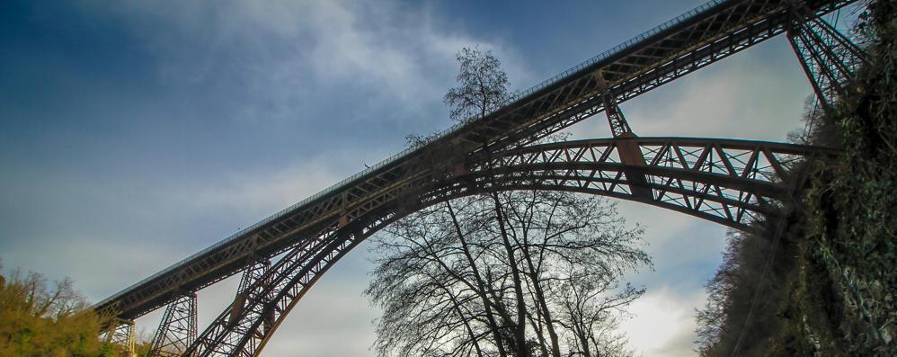 Quel ponte e la fragilità del vivere in Lombardia