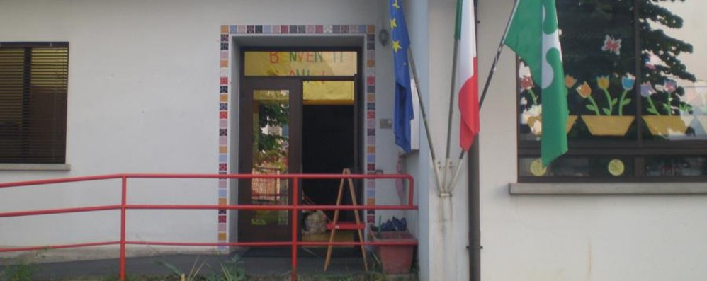 Calolzio, crepe nel muro della scuola Il sindaco decide la chiusura