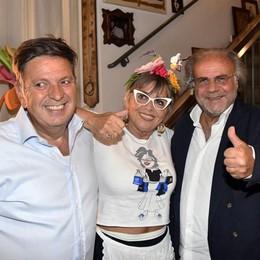 Maxi festa per i 75 anni della Giuliana Musica con Jerry Calà e tanti amici