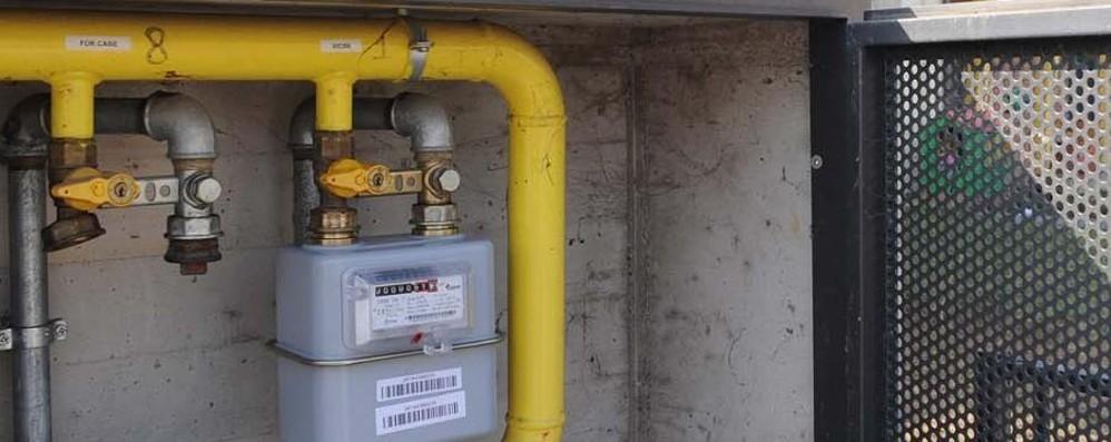 Brembate, gli «piombano» il gas di casa Si allaccia alla rete da abusivo: in cella