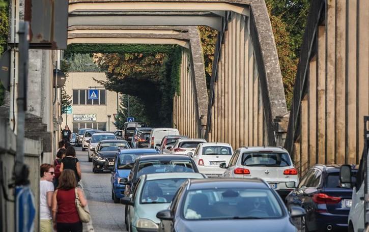Cisano vuole un nuovo ponte sull'Adda Il Comune lancia una raccolta firme