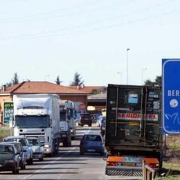 Incidente d'auto sulla Briantea Traffico in tilt: sette persone coinvolte