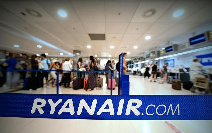 Ryanair, si allarga l'adesione allo sciopero Il 28 settembre stop dei piloti europei