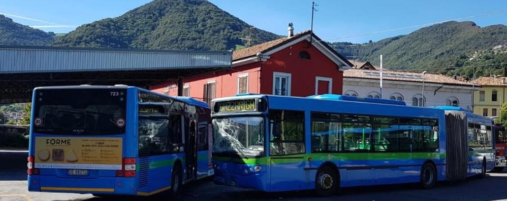 Schianto tra i due pullman a Gazzaniga Indagati i due conducenti dei bus