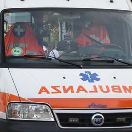 Un uomo di 75 anni travolto a Selvino Era a piedi su corso Milano: grave