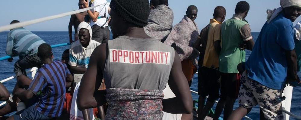 Migranti, «terza via» risposta ai flussi