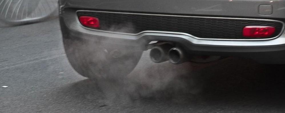 Smog, da lunedì     stop ai diesel  Euro 3 Non solo divieti: largo al car pooling