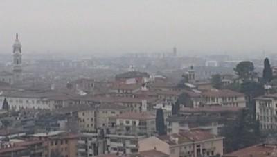 Misure anti-smog - Da lunedì fermi anche gli Euro3 diesel (e fare il pieno costa sempre più caro)