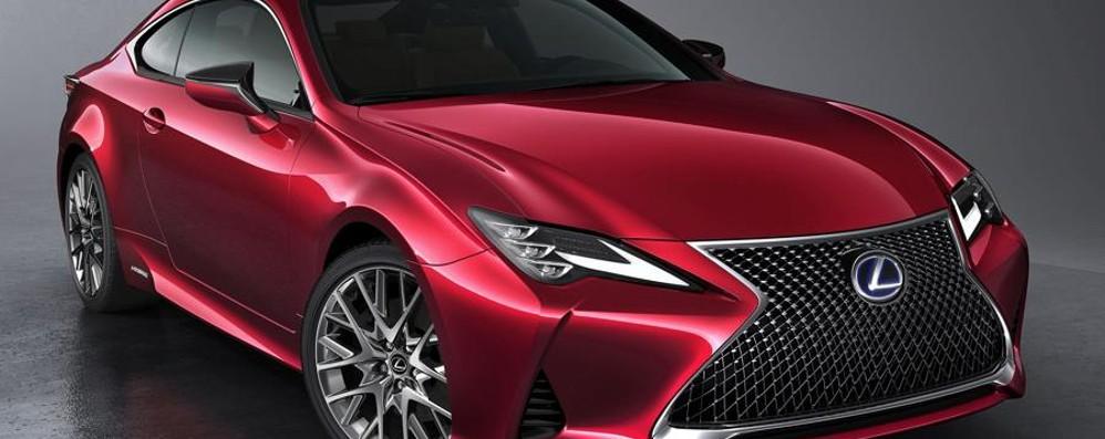 Lexus RC Hybrid La coupé sportiva