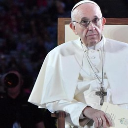 Il silenzio del Papa è più profondo  delle accuse