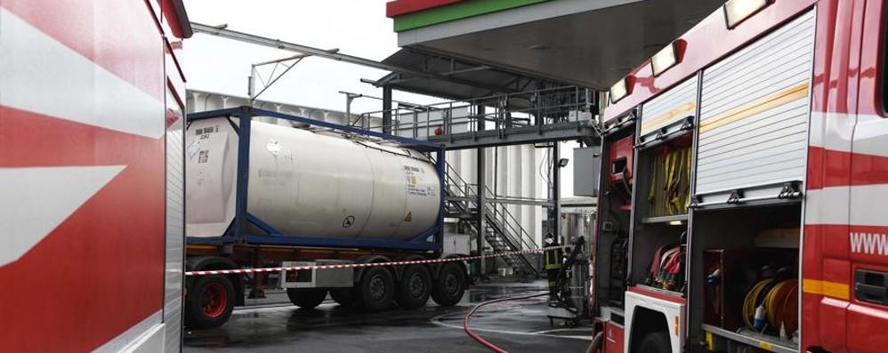 Resta grave l'operaio ustionato a Verdello Scattano le indagini: cisterna sequestrata
