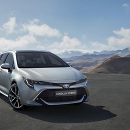Toyota Corolla Touring Sports arriva in 2 potenze ibride