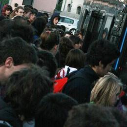 Trasporto scolastico, piano da 23 milioni  Autobus più capienti e niente tagli