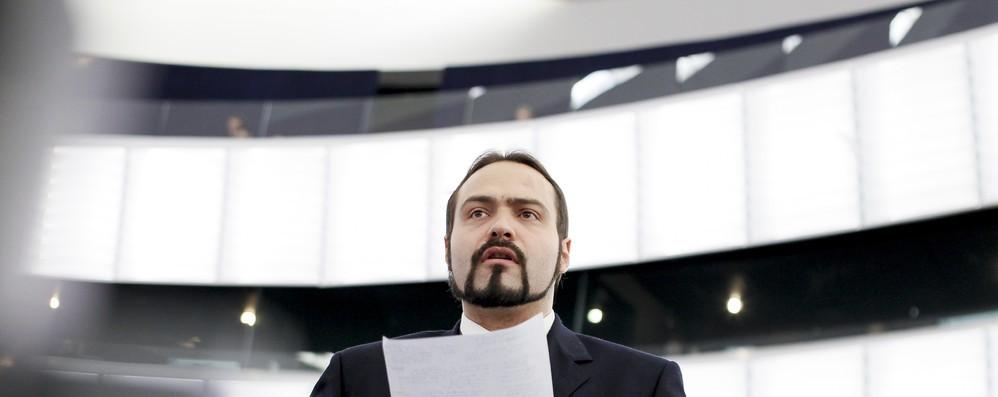 Migranti: Castaldo, Orban non è un amico, Salvini cambi linea