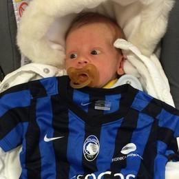 Atalanta, successo mondiale in Twitter  per la maglia neonati. Mandaci la tua foto