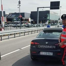 Controlli contro la sosta selvaggia a Orio Carabinieri in azione: 150 multe