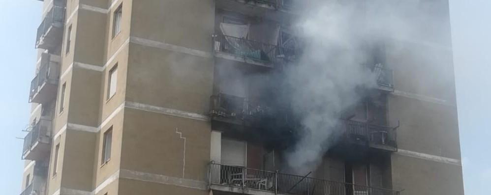 Zingonia, ancora fiamme nelle torri Ennesimo intervento dei vigili del fuoco