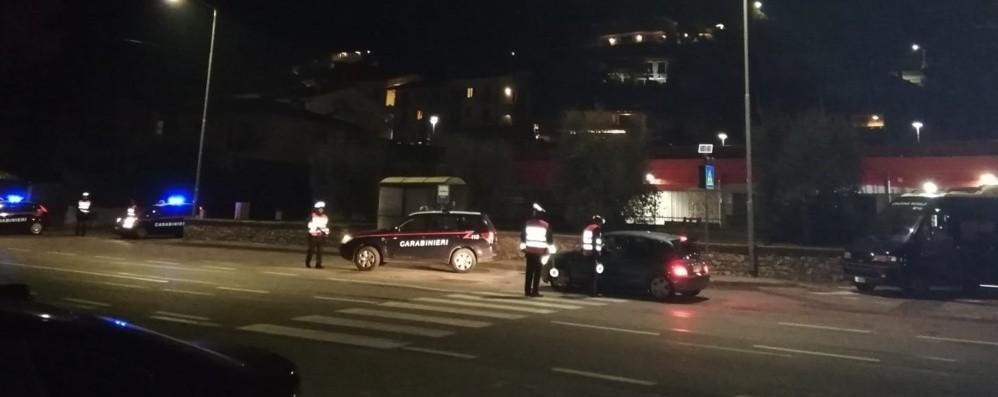 Controlli anti ebbrezza e furti E i carabinieri scovano un pregiudicato