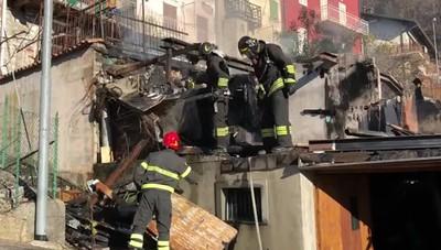 Incendio a Endenna di Zogno L'intervento die vigili del fuoco
