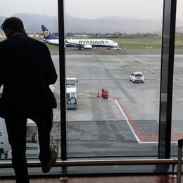 Sciopero dei controllori di volo Enav Ventuno voli cancellati a Orio al Serio