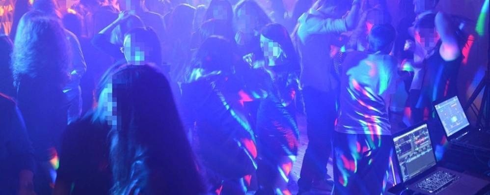 In 200 a ballare in un locale senza licenze Sequestrato un esercizio pubblico in città