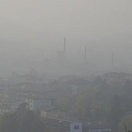 Inquinamento e siccità, è scattata l'allerta Un anno di smog a Bergamo - Infografica