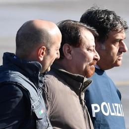 Cesare Battisti è arrivato in Italia Trasferimento nel carcere di Rebibbia