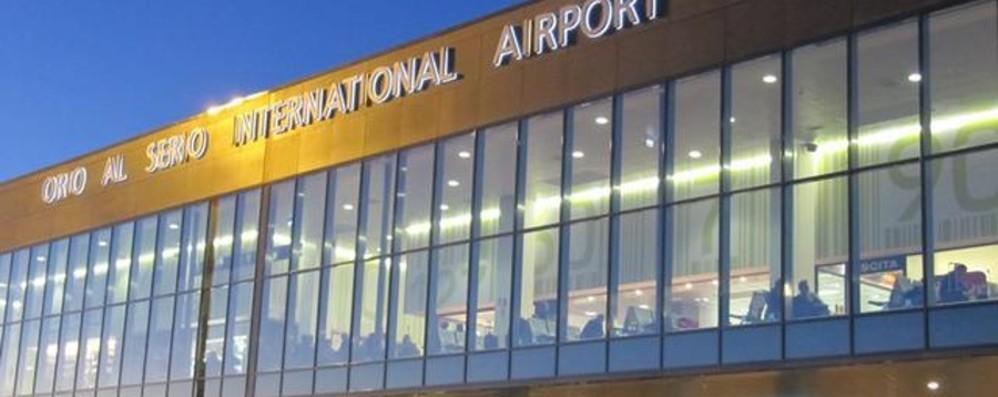 Fugge in pista, Malpensa chiuso un'ora Molti voli dirottati a Orio al Serio
