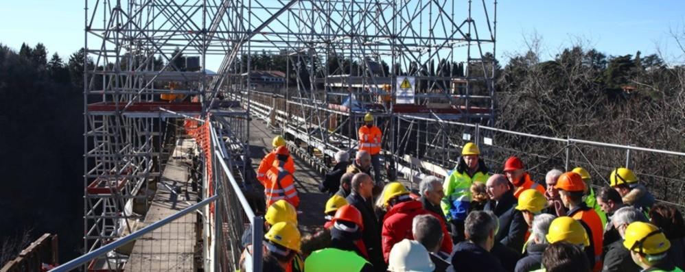 Ponte di Calusco, il comitato e i sindaci: «Vigileremo sui lavori e sulla riapertura»