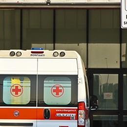 Via Carducci, travolta una donna in bici Traffico in tilt verso il centro di Bergamo